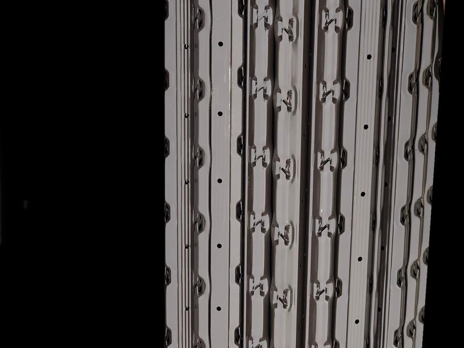 Palo interfilare C1 MAXI(R) in acciaio pre-zincato veniciato sp. mm. 1,65 - sezione mm. 60x40