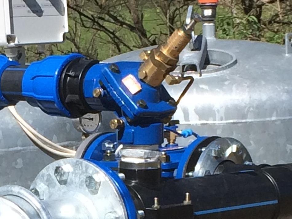 Sfogo rapido QR(R) ad angolo con valvola di controllo in ghisa e pilota in ottone