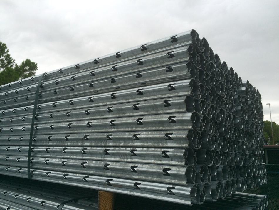 Palo interfilare ZEUS(R) in acciaio zincato a caldo sp. mm. 1,65 - sezione mm. 65x45