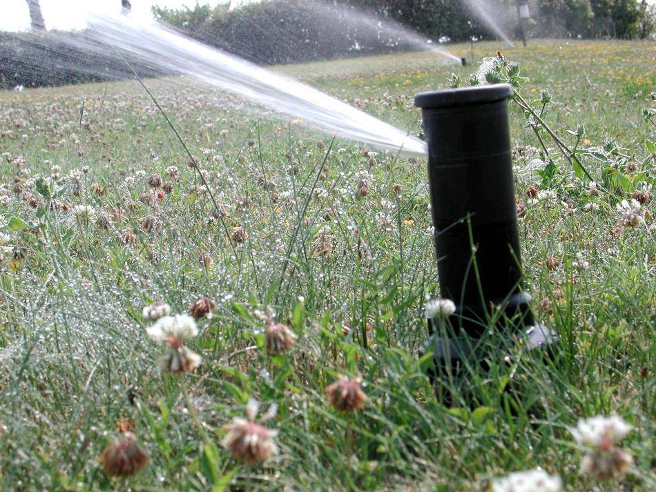 Irrigatori dinamici per l'irrigazione del manto erboso
