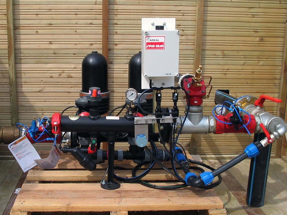 Stazione filtrante con filtro a dischi automatico