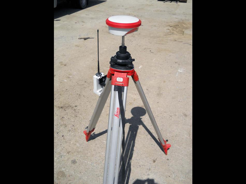 Base satellitare per sistema GPS rilevamento topografico